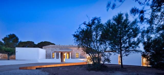 Formentera stile mediterraneo contemporaneo for Architettura residenziale contemporanea